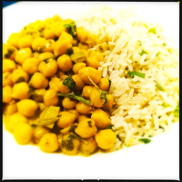 Chickpea curry with lime and coriander rice